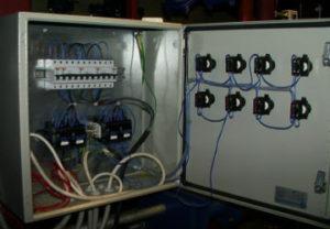 Промышленный электромонтаж объектов в Челябинске. Замена электромагнитного пускателя силового управления приводом двигателя.