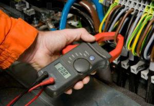 Электромонтаж промышленных объектов в Миассе. Расчет нагрузки приводов с замерами электропотребления токов в Амперах.