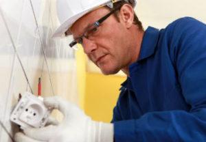Евро стандарты установки розеток и выключателей в Челябинске. Монтаж разъемов согласовано обслуживания путей подачи электроэнергии.