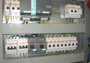 Обслуживание и ремонт электрооборудования в Златоусте. Принципиальный расчет нагрузок линий по мощностям. Замена автоматов по сроку годности отключения.
