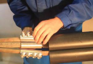 Стоимость на монтаж кабельной муфты в Челябинске обошлась недорого 4000 рублей.