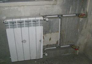 Замена радиаторов отопления в Челябинске с пробивкой гнезд под трубу.