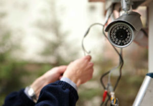 Цена установки камер видеонаблюдения в Челябинске недорогие. Радуют клиентов.