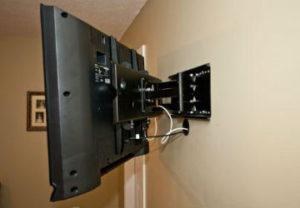 Подключение бытовой техники в Копейске. Монтаж ЖК телевизора на стену.