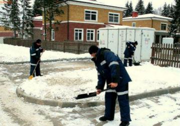 Чистка крыш от снега приспособления