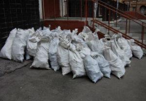 вывоз мешками и уборка мусора строительного
